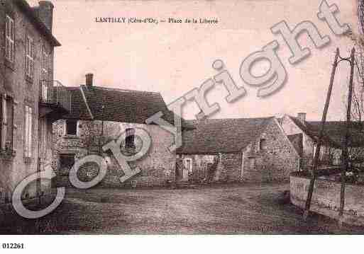 Ville de LANTILLY, carte postale ancienne