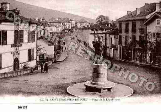 Ville de SAINTJEANPIEDDEPORT, carte postale ancienne